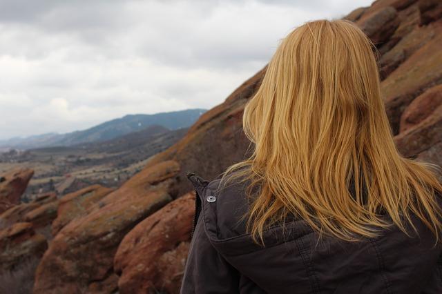 girl-hiking