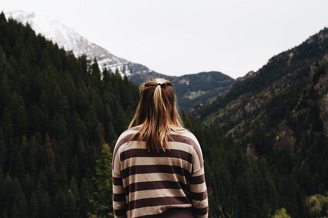 women-alone-in-forest