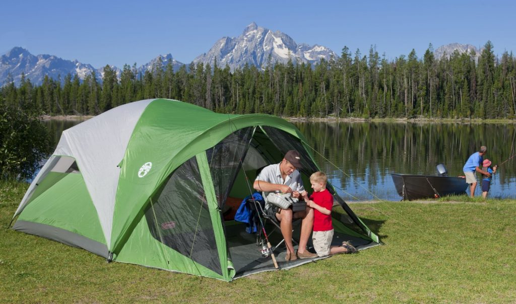 coleman-evanston-screened-tent-pitched-near-lake & Coleman Evanston Screened Tent Review u2013 A Really Good Tent In My ...