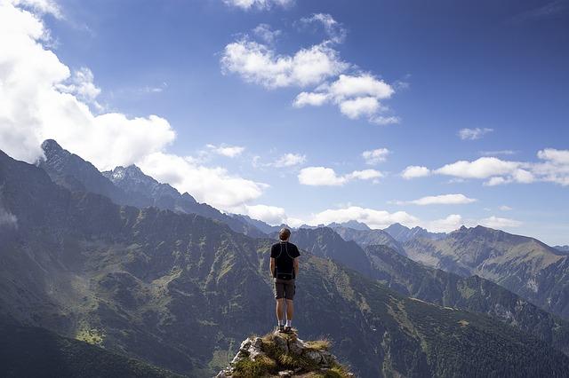 hiking-on-mountains