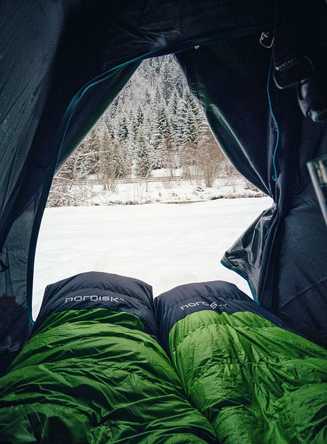 sleeping bag in cold temperatures